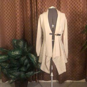 Devine Heart medium cream cardigan with gold latch